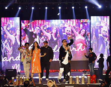 Akshay Kumar, Kiara Advani, Badshah enthralls audience at Chandigarh University